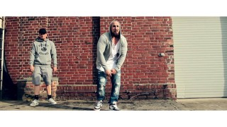 Ayouni – Russisch Roulette ft. Tatwaffe (Video)