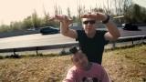 Blumio – Wenn der Bus rollt ft. JayJay (Video)