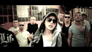 Capo – Flex, Stein, Weiss ft. Frank One & Haze Blaze (Video)