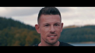 Devize – Mach dein Leben zu Gold ft. Tatwaffe (Video)