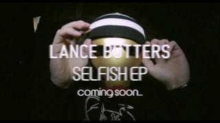 Lance Butters – Dämliche Faggots (Video)