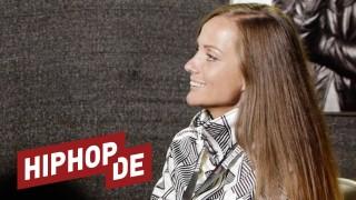 Schwesta Ewa über weiche Knie & harte Getränke (Video)