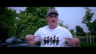 Tatwaffe – Eine Hand aus dem Fenster (Video)